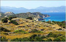 Agios Nikolaos: Blick von der Ausgrabungsstätte Gournia